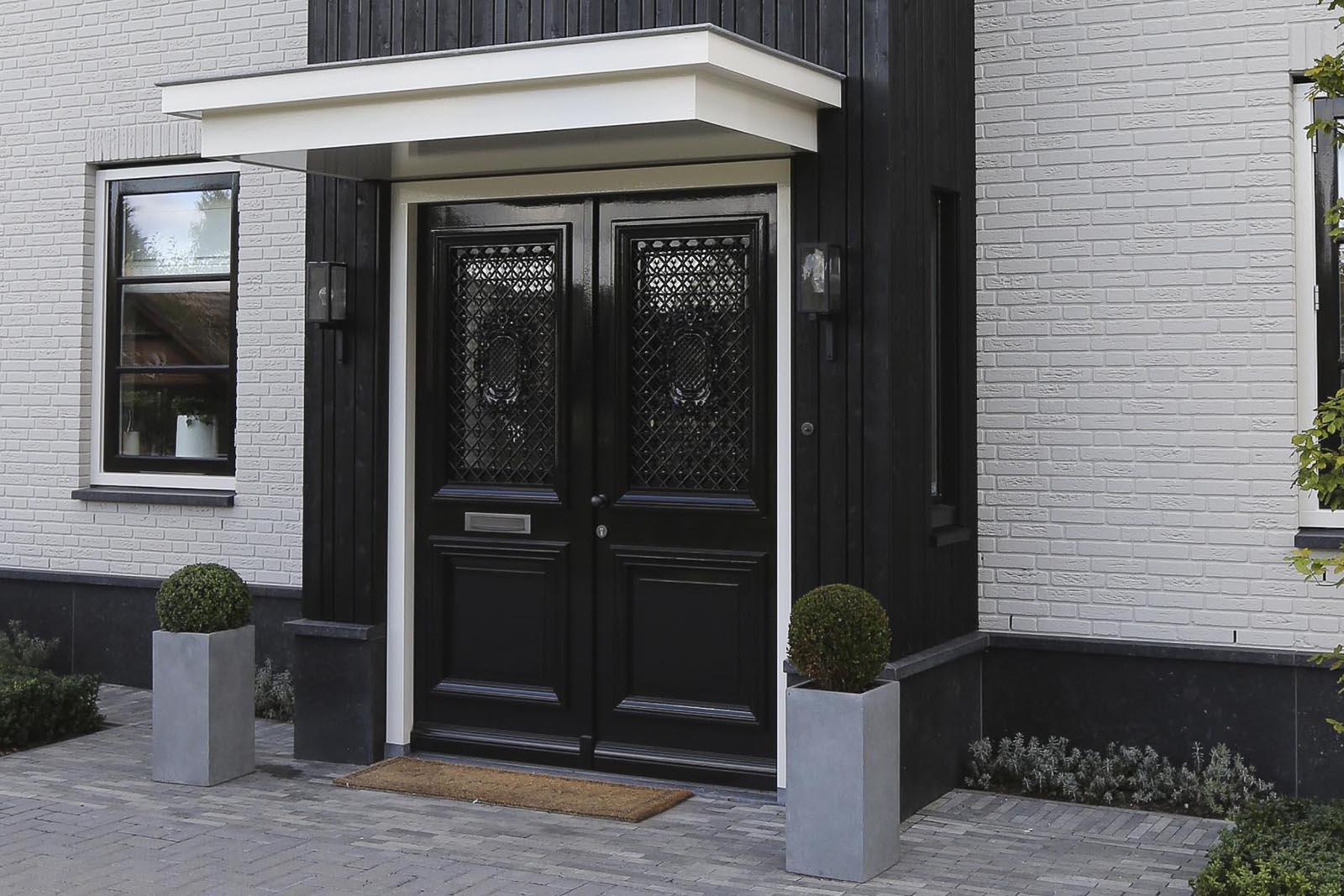 Vrijstaande woning Montfoort Goey, de woning voordeur